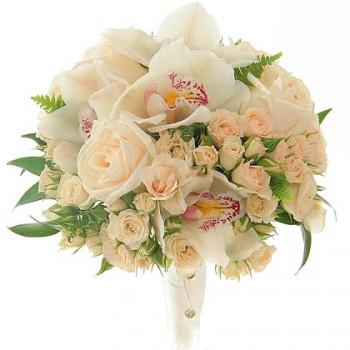 Букет невесты кустовой розой